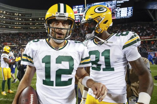 Packers, controversial penalties beat Lions on MNF
