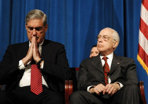Mukasey collapses while speaking in D.C.