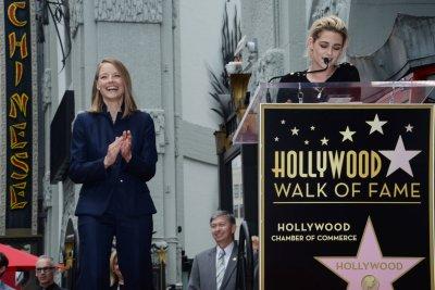 Jodie Foster receives star on Hollywood Walk of Fame, Kristen Stewart speaks