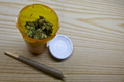 Vendors recommending pot for morning sickness, survey shows
