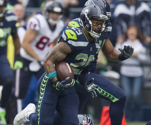 Seahawks S Thomas wants extension or trade