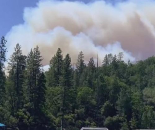 Thousands evacuated from path of Northern California wildfire