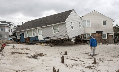 Obama tells New Jersey it is stronger than Sandy