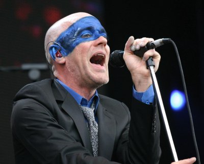 REM to release rehearsal CDs
