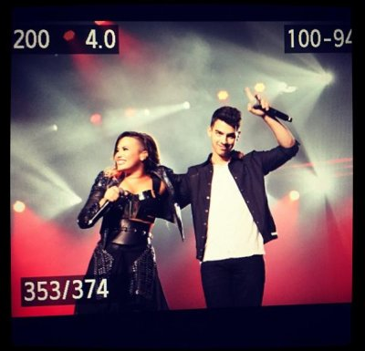 Joe Jonas joins Demi Lovato onstage for 'This is Me'