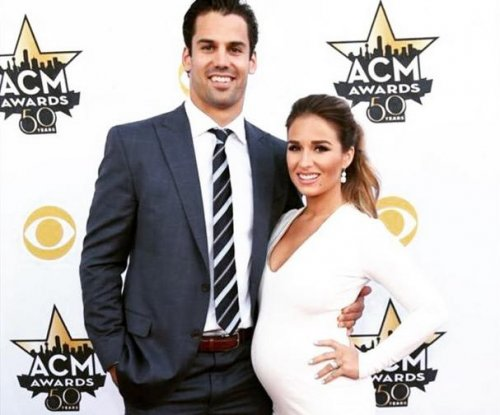 Jessie James Decker, Eric Decker expecting a son