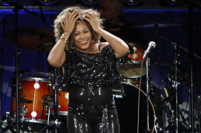 Tina Turner says her husband gave her a kidney