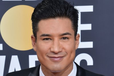 Mario Lopez feels like Willy Wonka as 'Supersize My Pool' host
