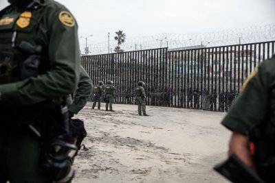 2 Marines charged with taking bribes to transport migrants at border