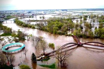 Michigan to seek federal 'major disaster' status for dam break
