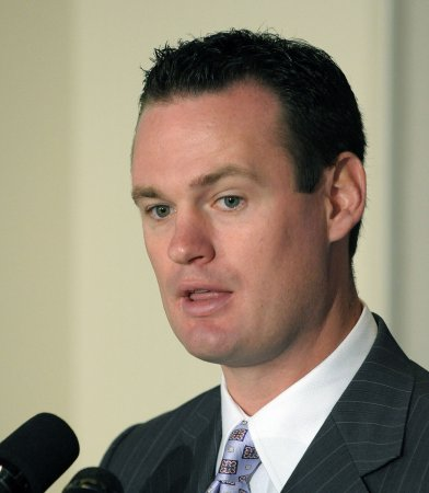 Pittsburgh mayor fulfills Super Bowl bet