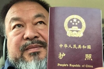 China returns dissident artist Ai Weiwei's passport after four years