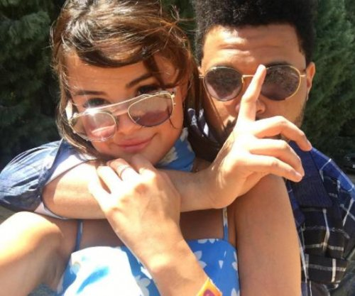 Selena Gomez, The Weeknd cozy up at Coachella