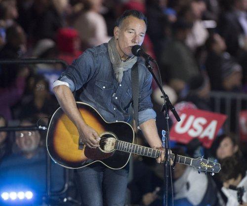 Bruce Springsteen joins Steven Van Zandt onstage for surprise performance