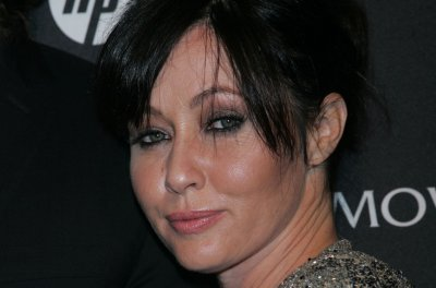 Shannen Doherty posts on-set photo from '90210' revival