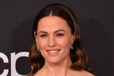 Jennifer Garner says reuniting with Mark Ruffalo was 'instantly comfortable'