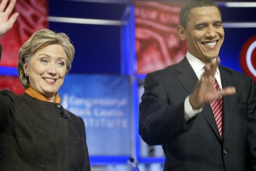 Democrats uneasy with Clintons' aggression
