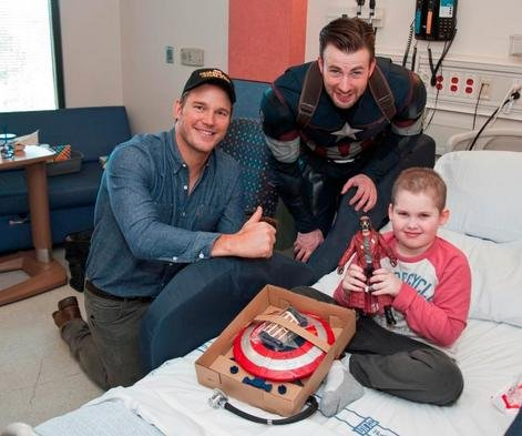 Chris Evans, Chris Pratt visit Seattle Children's Hospital