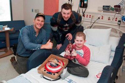 Chris Evans, Chris Pratt visit Seattle Children's Hospital