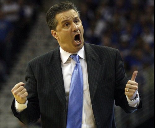 Calipari sort of sorry for dig against rival coach Pitino