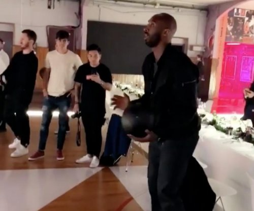 Kobe Bryant: Lakers legend drills bounce-in 3-pointer trick shot