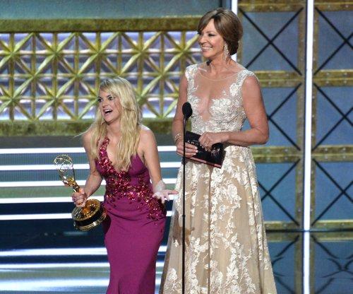 CBS renews 'Mom' for Season 6