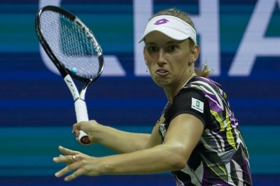 U.S. Open tennis: Mertens upsets American Kenin, Azarenka advances