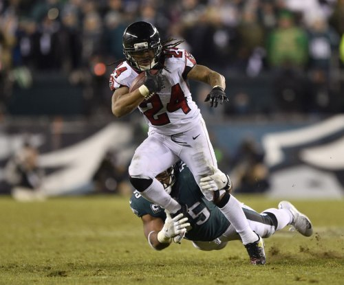 Ex-Falcons RB Devonta Freeman signing 1-year deal with Giants
