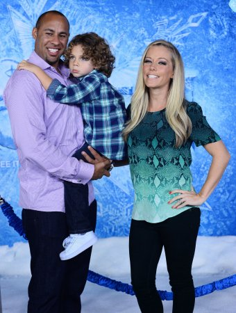 Hank Baskett says transgender model extorted him