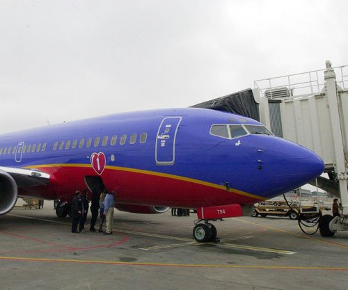 FAA: Southwest Airlines can fly without inspections