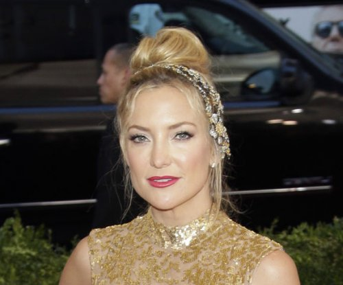 Watch Kate Hudson, son Ryder dance to 'Trap Queen'