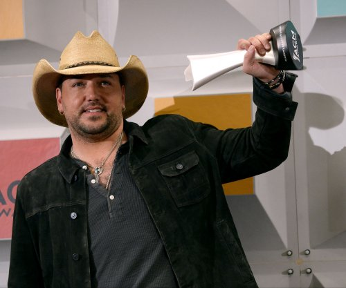 ACMs: Jason Aldean named Entertainer of the Year; Chris Stapleton and Miranda Lambert also win big