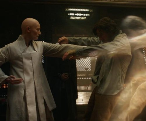 Benedict Cumberbatch stars in new 'Doctor Strange' trailer
