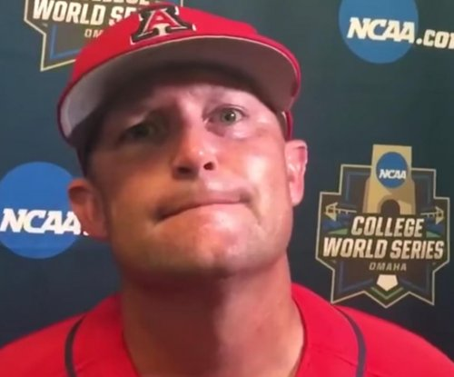 College World Series: Arizona still alive after 9-3 win