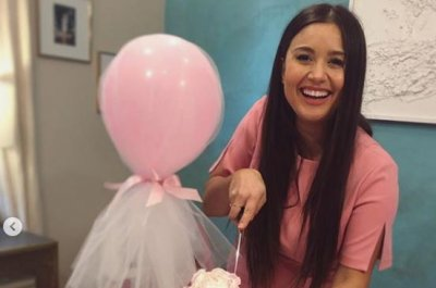 'Bachelor' alum Catherine Giudici celebrates at baby shower