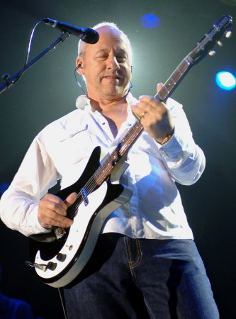 Knopfler not up for Dire Straits reunion