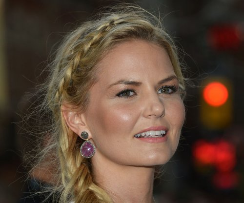 Jennifer Morrison defends curse plots on 'Once Upon a Time'