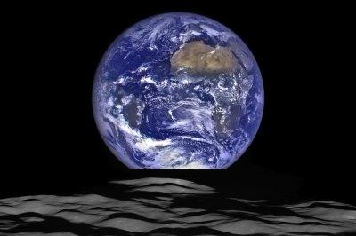 NASA shares beautiful high-res Earthrise image