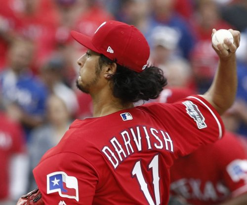 Texas Rangers capitalize on San Diego Padres' mistakes in 4-3 win