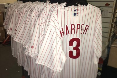 Bryce Harper's Phillies jersey breaks LeBron James' 48-hour sales record