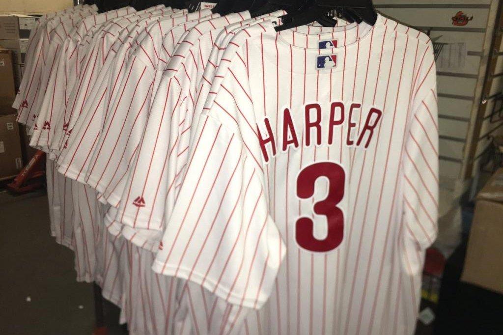 timeless design 4456e ff2c5 Bryce Harper's Phillies jersey breaks LeBron James' 48-hour ...