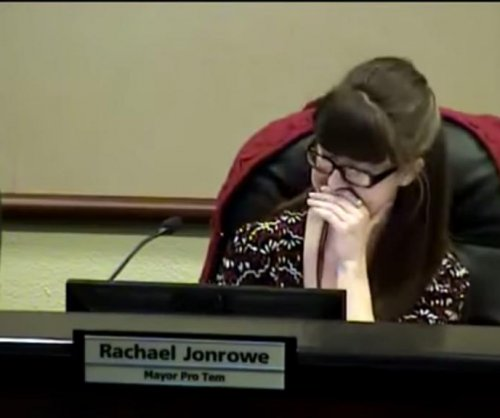 Texas city councilman's mic stays on during bathroom break