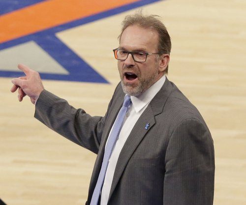 Phil Jackson pushing for New York Knicks to keep Kurt Rambis