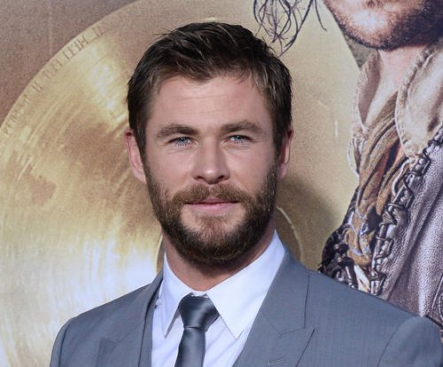 'Thor: Ragnarok' director says movie will be 'out there'