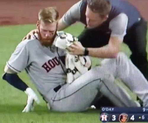 Houston Astros' Colin Moran hits foul ball off of face, lands on DL