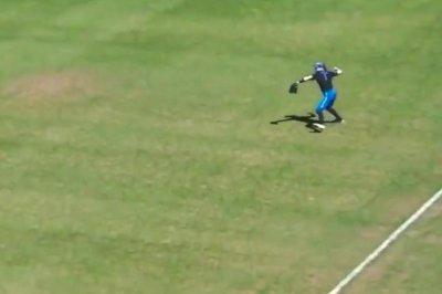 Duke softball star shows off cannon, impresses Reds' Yasiel Puig
