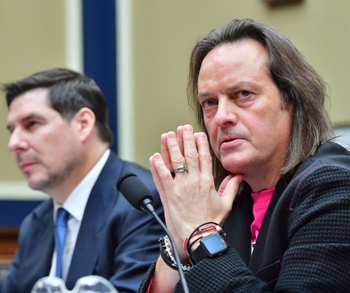 T-Mobile names new CEO amid pending merger with Sprint