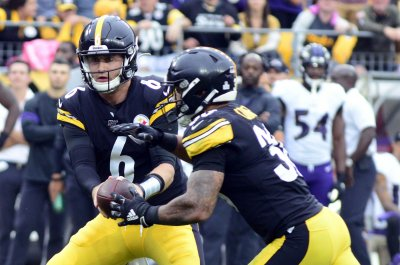 Pittsburgh Steelers' Mike Tomlin: 'Duck' Hodges will continue to be starting QB