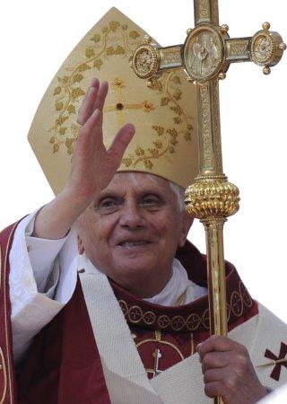 Pope visits Jordanian mosque