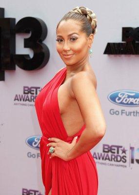 Mutual friend urges Adrienne Bailon to reach out to ex Rob Kardashian